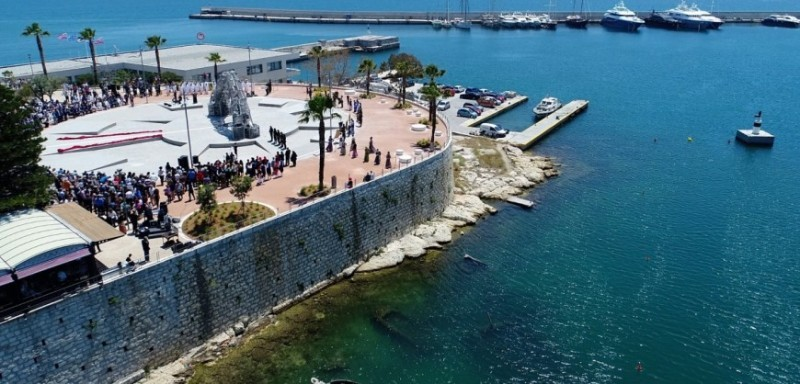 Monument to the Genocide of the Greeks of Pontus unveiled in Piraeus