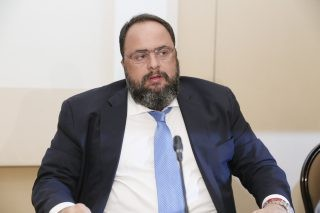 Marinakis Sets Sights on 10 LNG Carriers at HHI