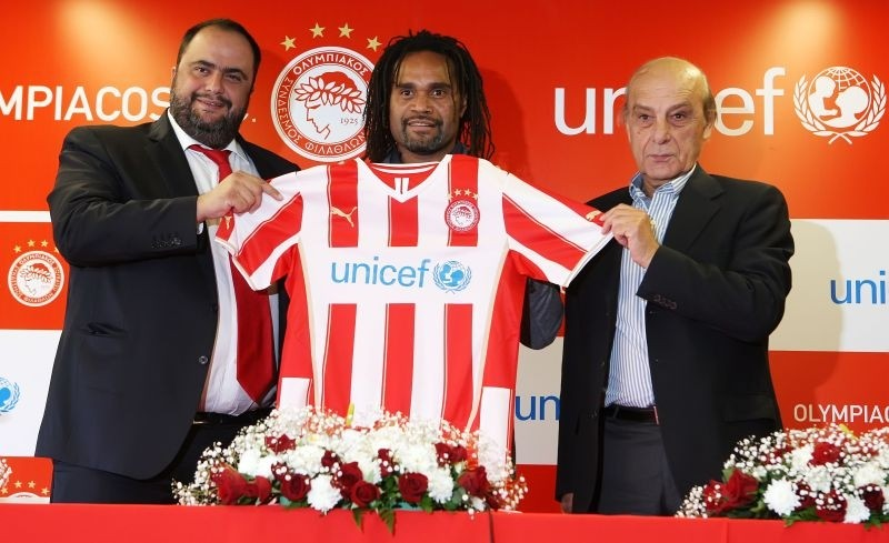 Olympiacos FC and UNICEF join forces to immunize children